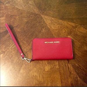 Michael Kors tech wallet